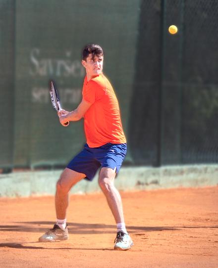 Michael Minasyan - ung tennisspelare